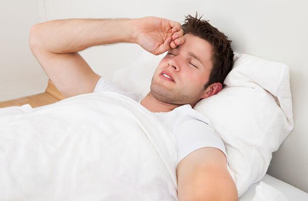男、睡眠障害